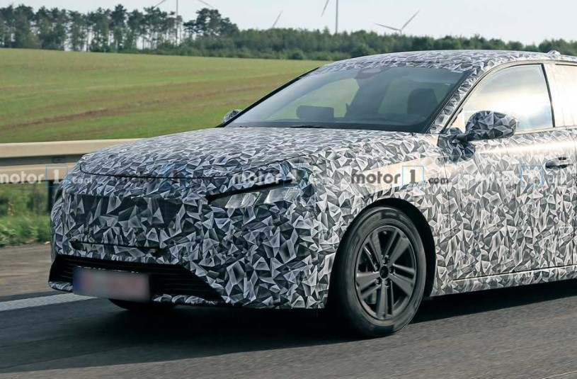 2021 Peugeot 308 with new bumper view