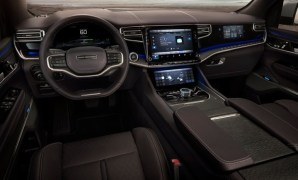2021 Grand Wagoneer Navigation and Features