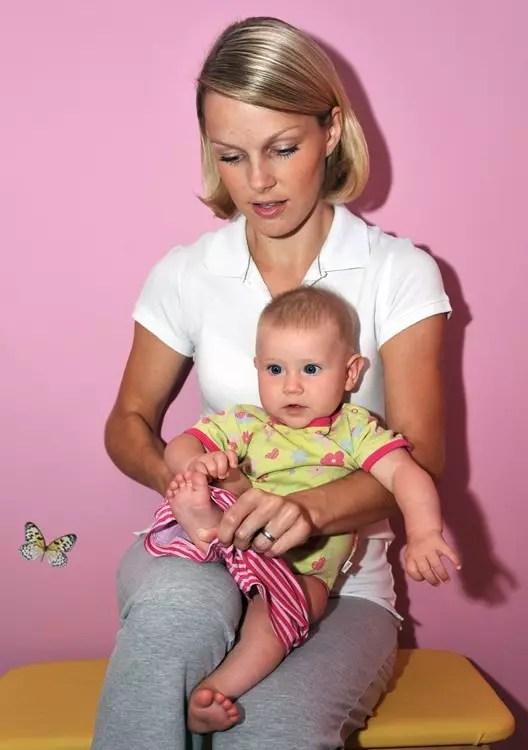 Pravilno ravnanje z dojenčkom