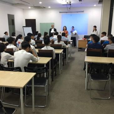 10月生入学+アルバイト募集説明会実施