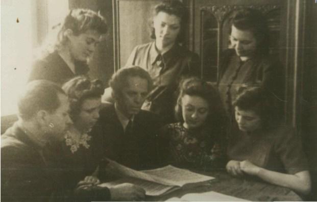 Барвінський з учнями