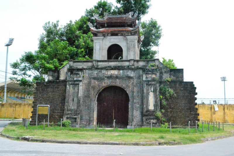 ヴィン城城門