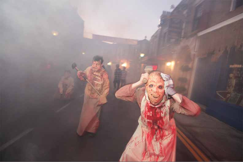 Halloween Horror Nights 2011 - Opening Night Review