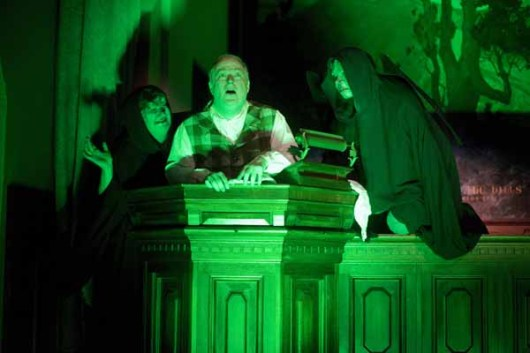 LizAnne Keigley, Richard Large and Eric Harris in The Chimes at Mountain View Mausoleum and Cemetery. 2010 Wicked Lit. Photo by Daniel Kitayama