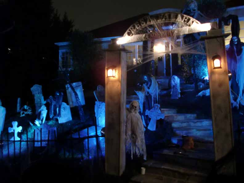 former Halloween Haunts defunct