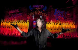 Alice Cooper welcomes you to Hell