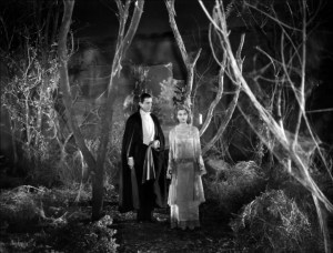 DRACULA 1931 Bela Lugosi and Helen Chandler