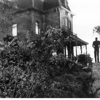 Retro Review: Alfred Hitchcock's Psycho (1960)