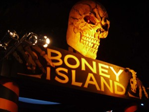boney island skull above entrance