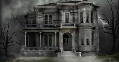 haunted house Halloween wallpaper