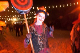 Los Angeles Haunted Hayride 2014 clown with mallet