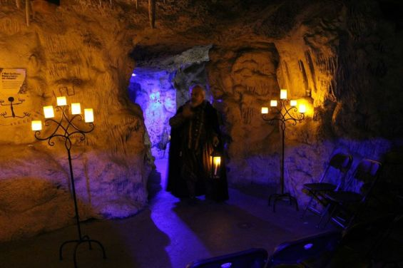 Drama After Dark's The Cask of Amontillado at the Los Angeles Zoo