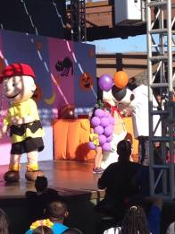 Knotts Spooky Farm 2015 Camp Snoopy Costume Contest 2