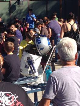 Knotts Spooky Farm 2015 Camp Snoopy Costume Contest R2D2