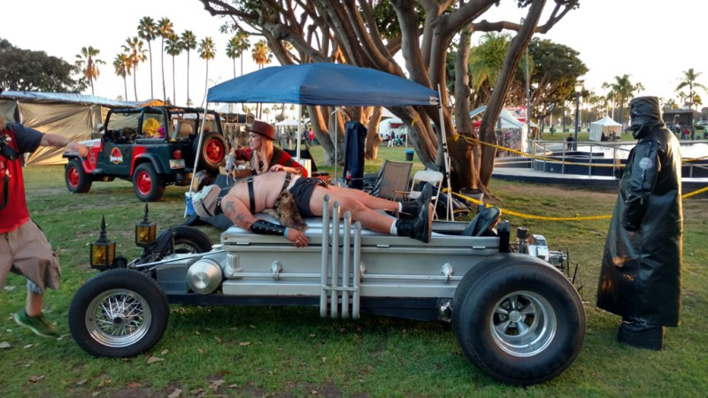 Long Beach Zombie Fest 2016 Review dragula-with-freddy-krueger-chick