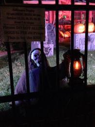 haunted-grounds-2016-skeleton-with-lantern