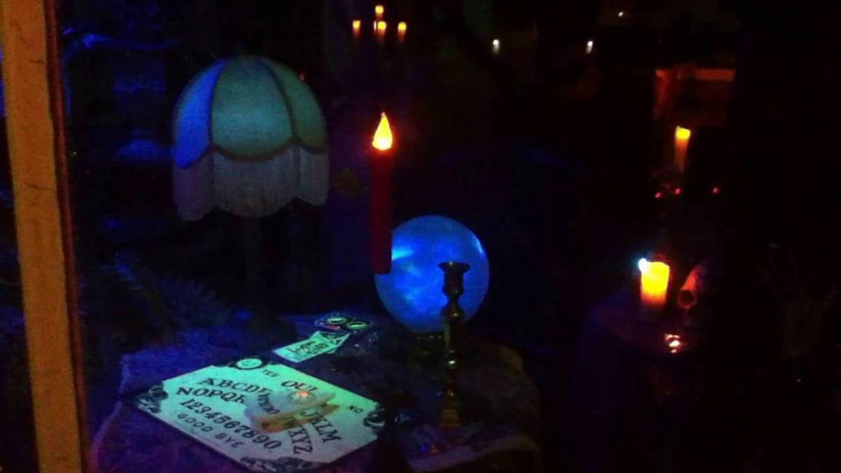 Halloween Haunt Odyssey 2016: Farms, Séances & Cemeteries in the Valley