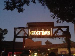 Knotts Scary Farm 2017 Review Ghost Town