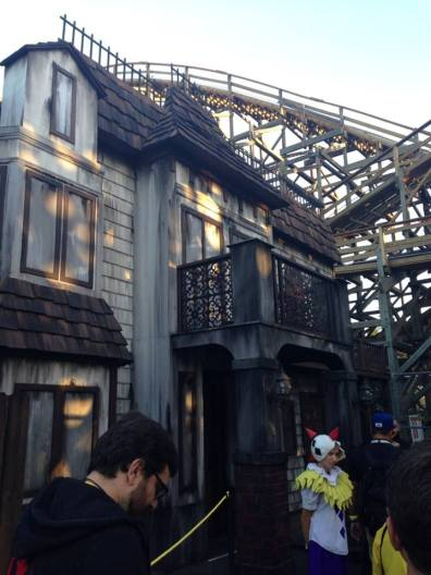 Knotts Scary Farm 2017 Trick or Treat Lights Out exterior