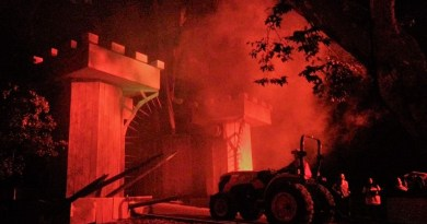 Los Angeles Haunted Hayride 2017 tractor entering gate 2