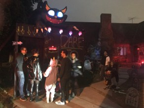 Beverly Hills Halloween Trick-or-Treating 2017 A