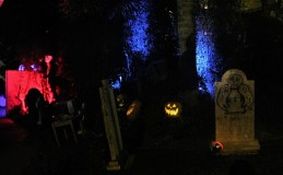 Orange County 2018 yard haunts Haunted Mansion