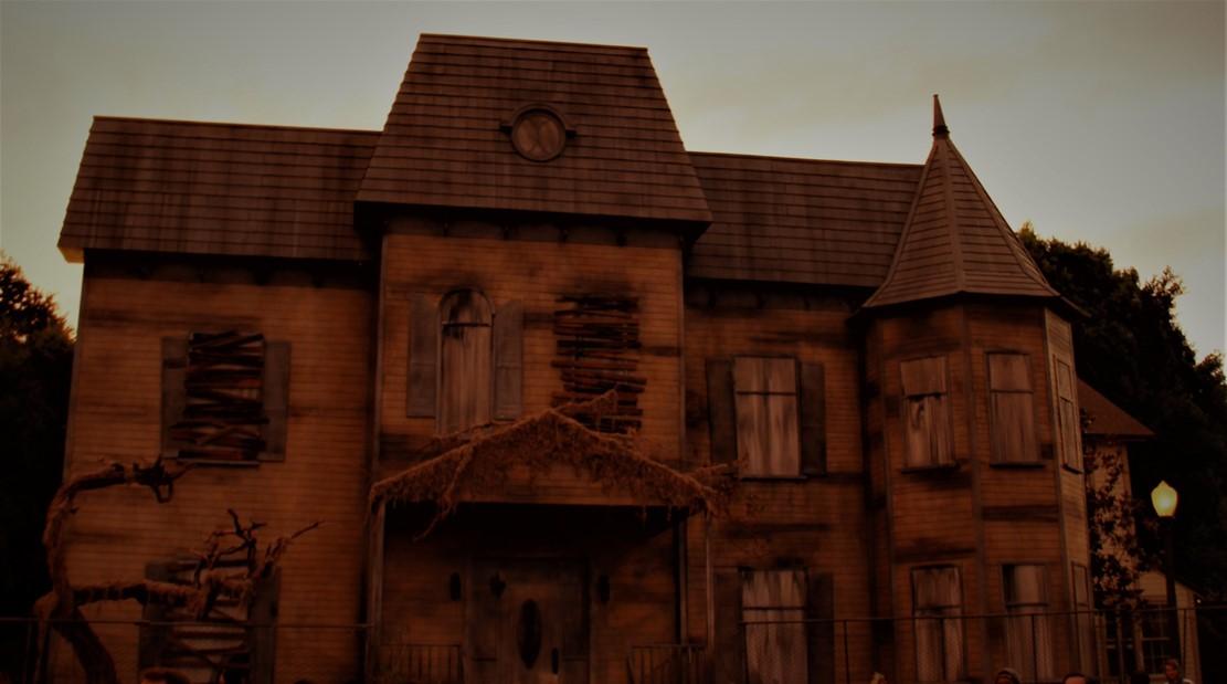 Warner Brothers Studio Tour Horror Made Here 2018 Neibotl House
