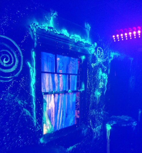 Los Angeles Haunted Hayride 2018 Review Trick or Treat window