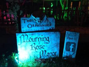 Simi Valley Yard Haunts Mourning Rose 2018 sign
