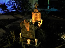 Sherman Oaks Yard Haunts House of Boos 2018 grave constance weddington