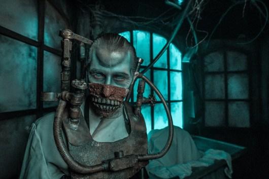 Knott's Scary Farm - Paranormal Inc - Evil Doctor