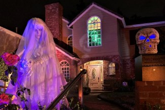 Toluca Lake yard Haunts 2020