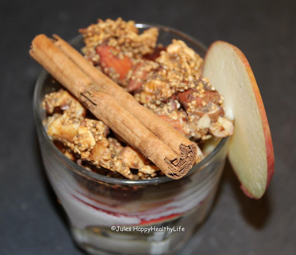 Rezept für selbstgemachtes Apfel Zimt Granola ohne raffinierten Zucker
