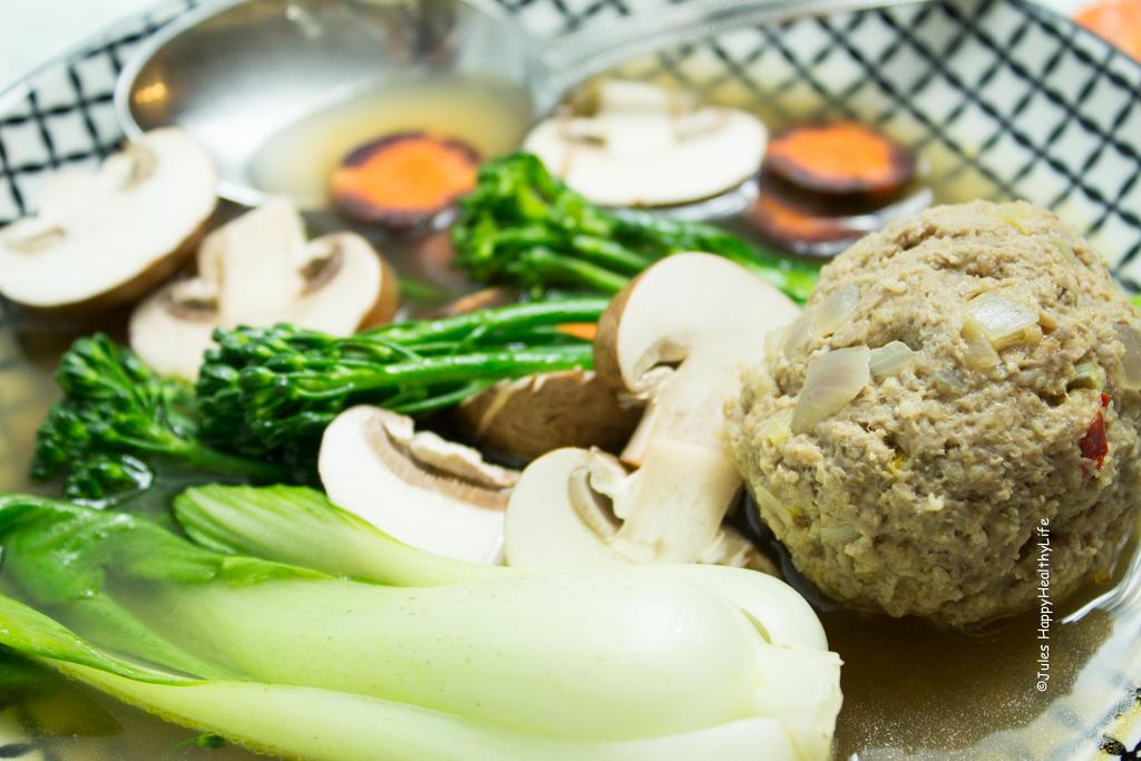 Wichtig sind die Gewürze für die Fleischbällchen für die Asia Suppe