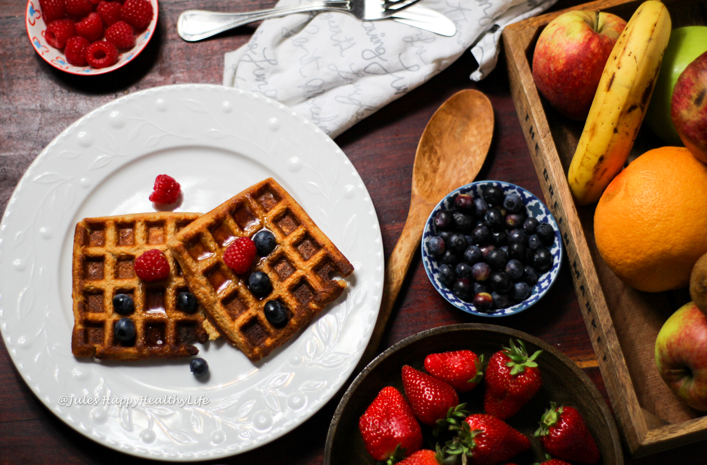 Golden, easy Oat Waffles