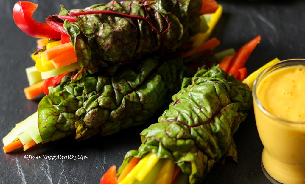 Perfekt für Gäste ist Mangold Wraps mit Safran Mango Dip