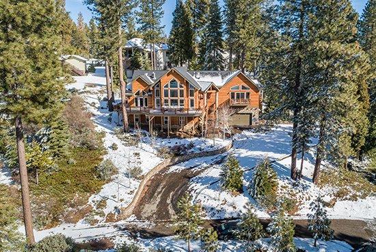 40780-Wild-Iris-Cabin-in-the-Woods_01
