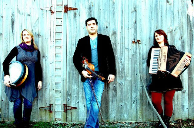 Twisted Folk Concert Series Presents Vishtén Tonight