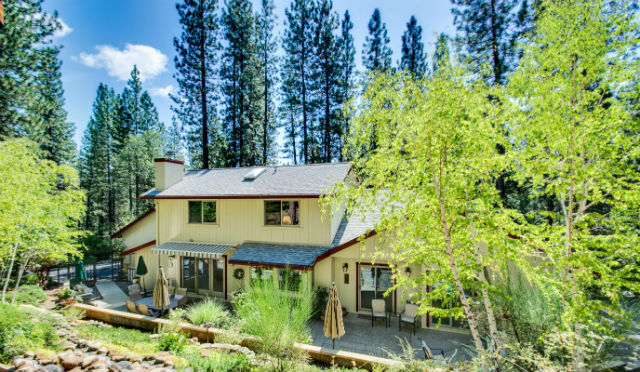 Serene Mountain Setting – Open House For Beautiful Custom Home On 1.38 Acres