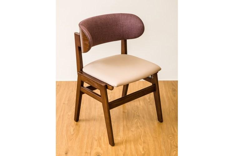 坐墊的特殊構造設計,讓臀部不會往前滑動。