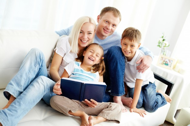 5 Quick and Simple Tips for Starting Family Devotional Time – Michelle Rabon