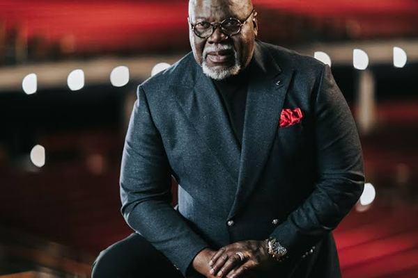 THE DANGER OF BEGGING PEOPLE TO STAY IN YOUR LIFE – TD JAKES