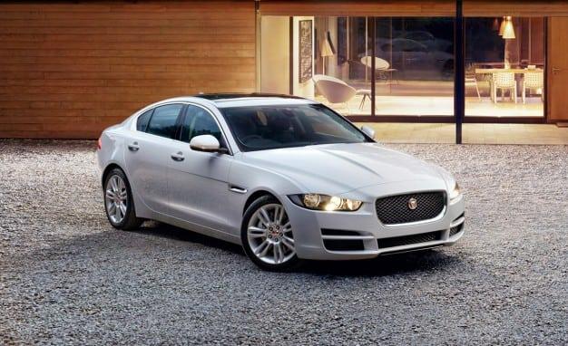 2019 Jaguar XE Picture
