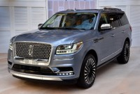 2023 Lincoln MKS Wallpapers
