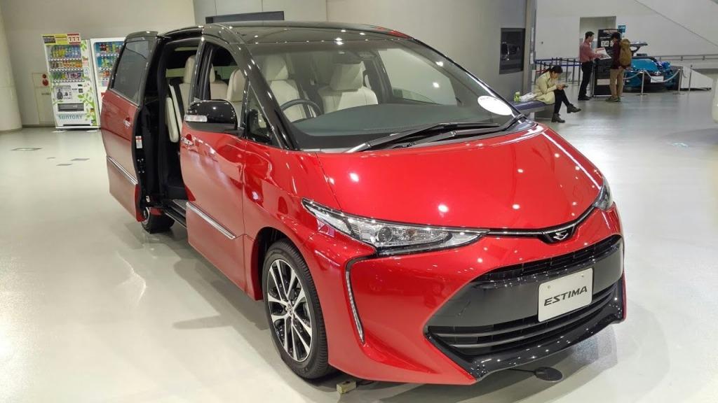 2023 Toyota Estima Spy Shots