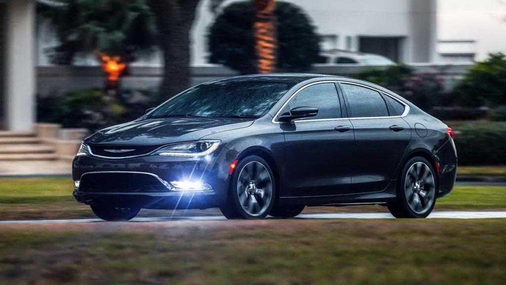 2023 Chrysler 100 Spy Shots