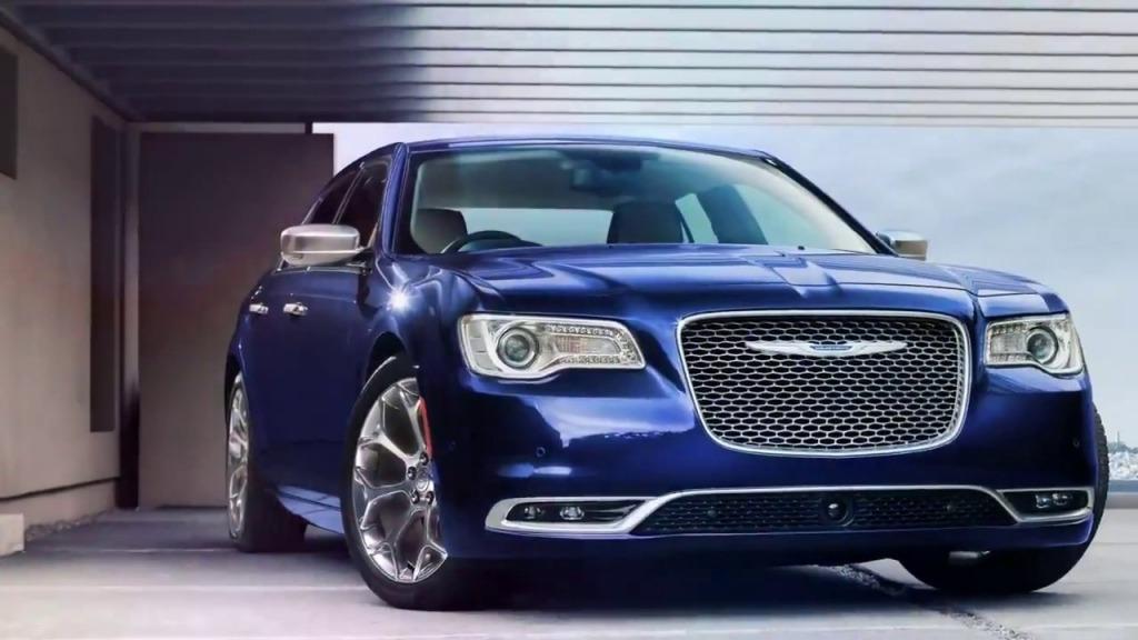2023 Chrysler 300 Srt 8 Pictures