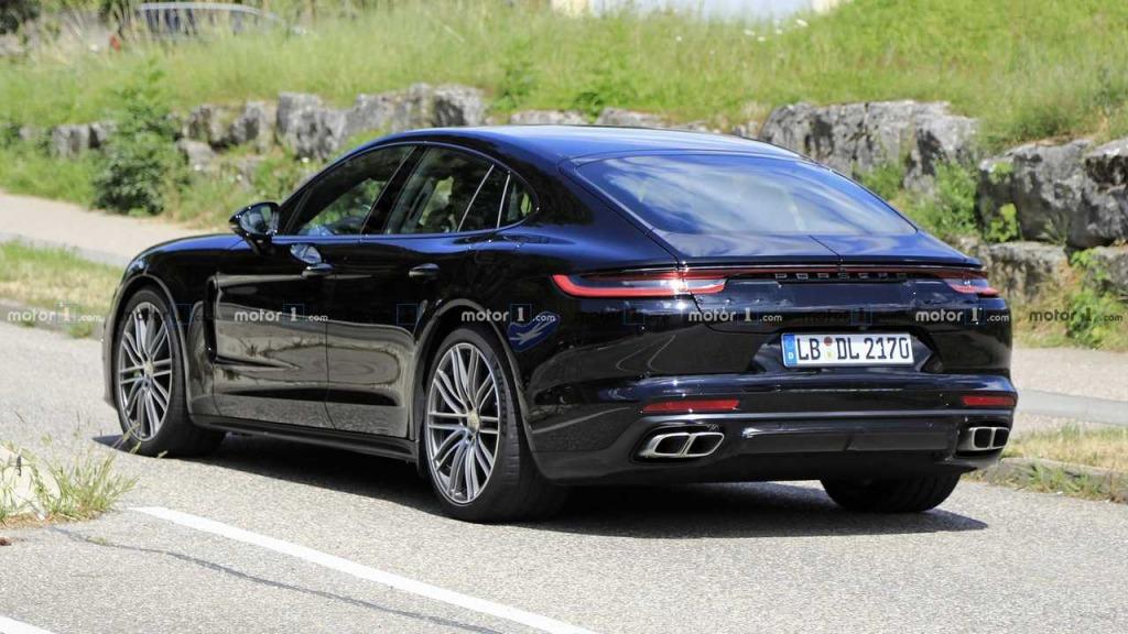 2023 Porsche Panamera Exterior