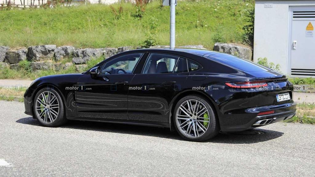 2023 Porsche Panamera Spy Photos