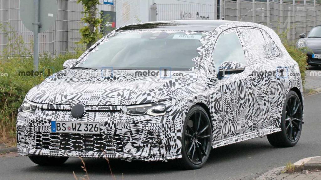 2023 Volkswagen Golf GTD Images